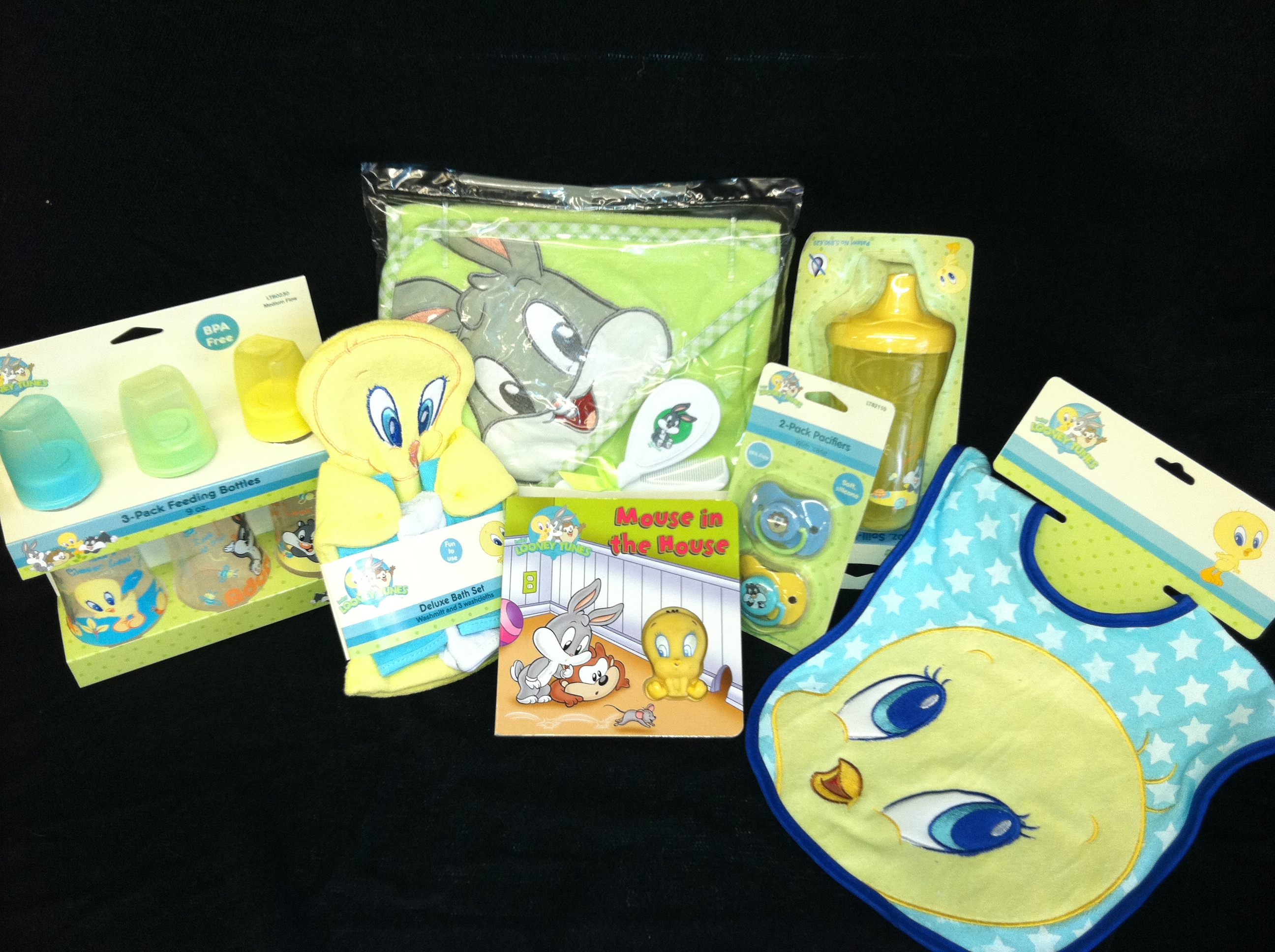 Baby Looney Tunes Baby Shower Baby Looney Tunes Shower Set