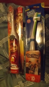 one direction, toothbrush, chipmunks